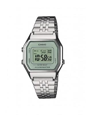 Montre digitale vintage Casio pour femme argent avec bracelet en acier inoxydable LA680WEA-7EF sur Marseille centre