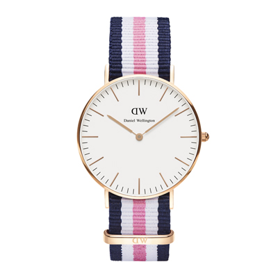 Montre pour hommes avec bracelet bleu marine rose et blanc Daniel Wellington W0506DW